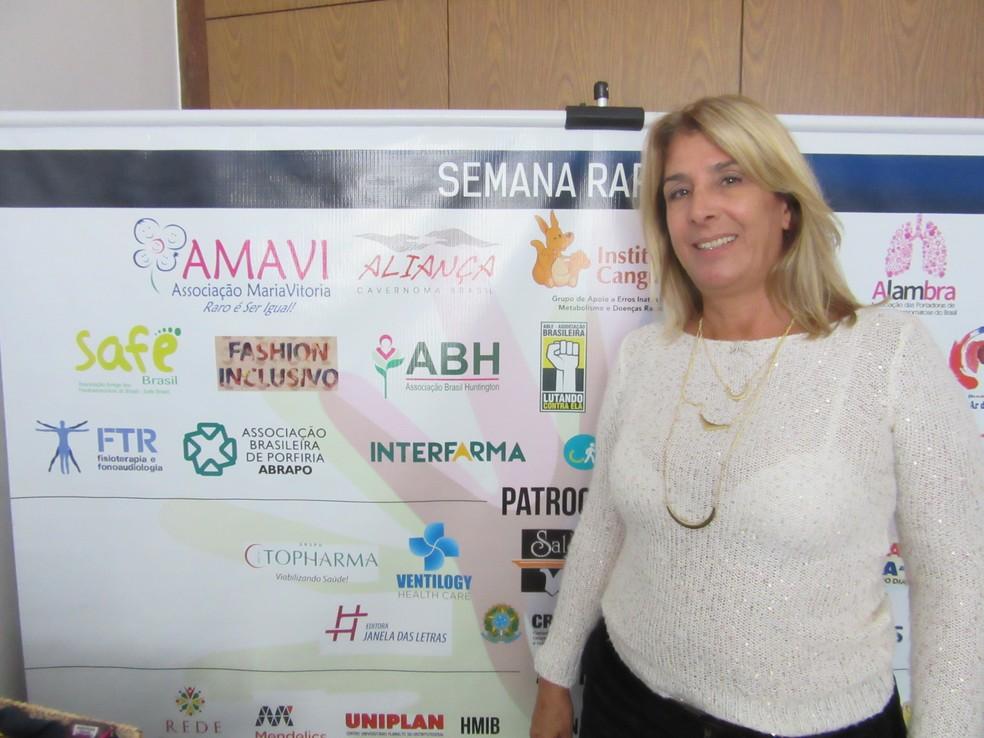 Dirigente da Associação Maria Vitória de Doenças Raras e Crônicas (Amav), Lauda Santos — Foto: Letícia Carvalho/G1