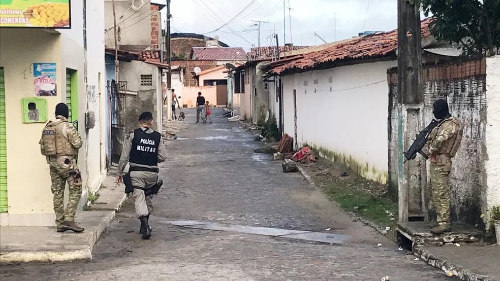 Operação Gerônimo conta com ajuda da Polícia Militar e Civil da Paraíba (Foto: Walter Paparazzo/G1)