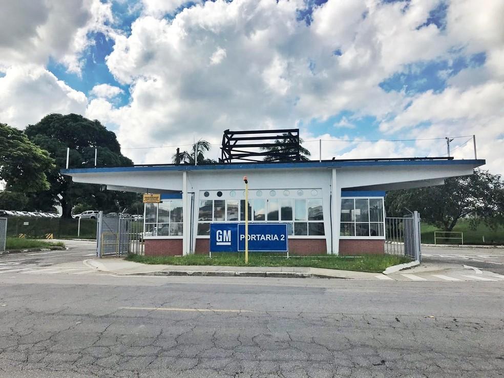 GM colocou funcionários do grupo de risco em licença remunerada — Foto: Camilla Motta/ G1
