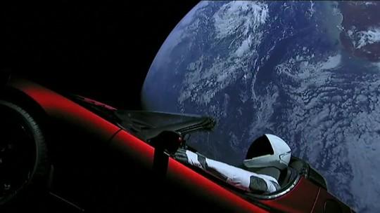 SpaceX mostra primeiras horas do Tesla Roadster no espaço