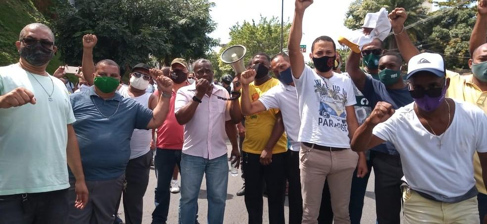 Caminhada saiu da região da Estação da Lapa e foi até a sede da Transalvador — Foto: Cid Vaz/TV Bahia