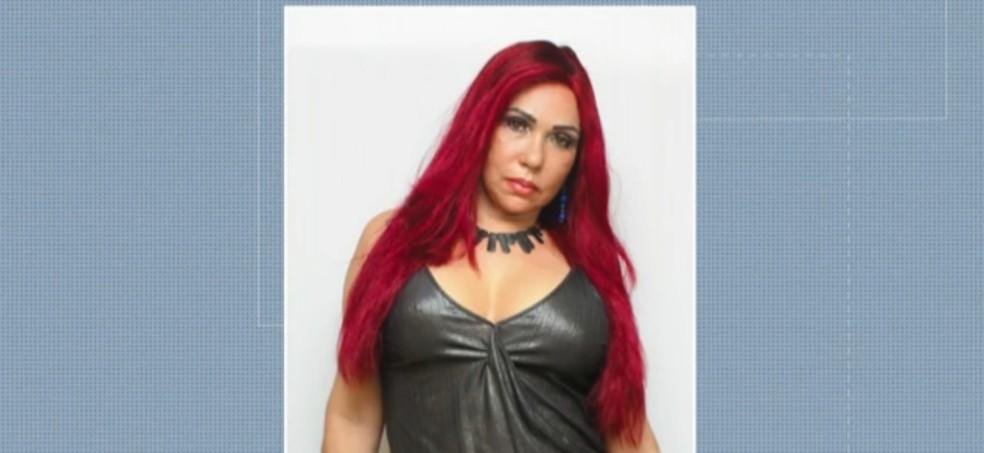 Wania Tavares, que se autointitula 'Rainha das Plásticas' — Foto: Reprodução/ TV Globo