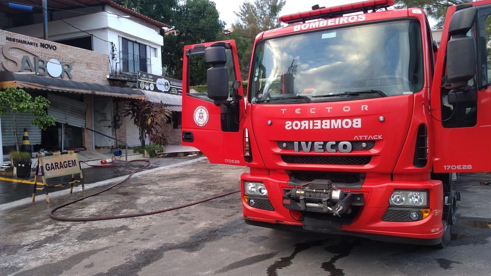 Incêndio atinge restaurante e causa prejuízos no bairro da Santa Cruz, em Salvador; não houve feridos