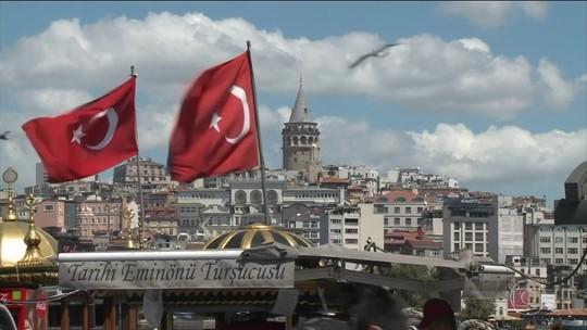 Dólar fecha em alta após bater R$ 3,92, com preocupações com Turquia