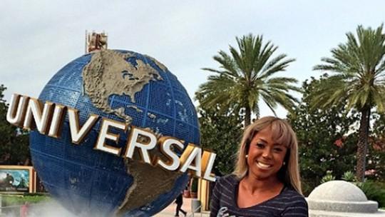 Em ritmo intenso de trabalho, ex-BBB Adélia planeja ida a Orlando: 'Quero ir em setembro'