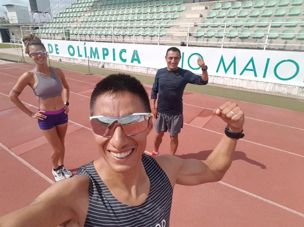 Erica Sena com Andrés Chocho, marido e treinador — Foto: Arquivo Pessoal