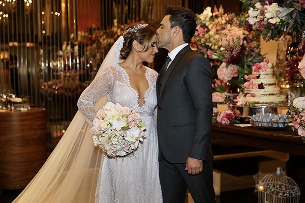 Zezé Di Camargo casa a filha Camilla (Foto: Manuela Scarpa/Brazil News)