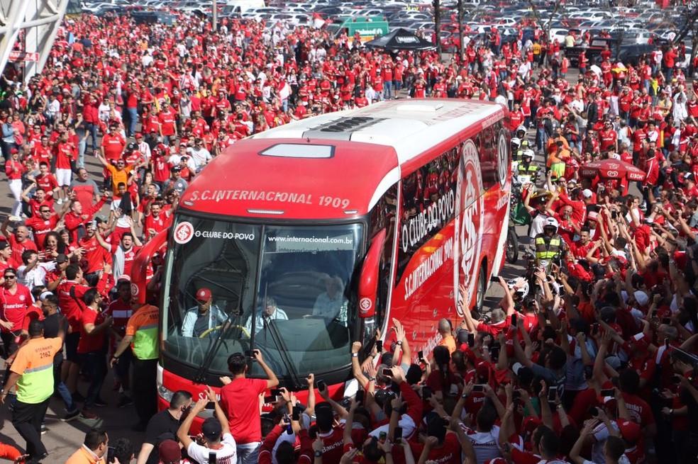 Inter se apega à força da torcida no Beira-Rio para dar novo salto de pontuação — Foto: Eduardo Deconto/GloboEsporte.com