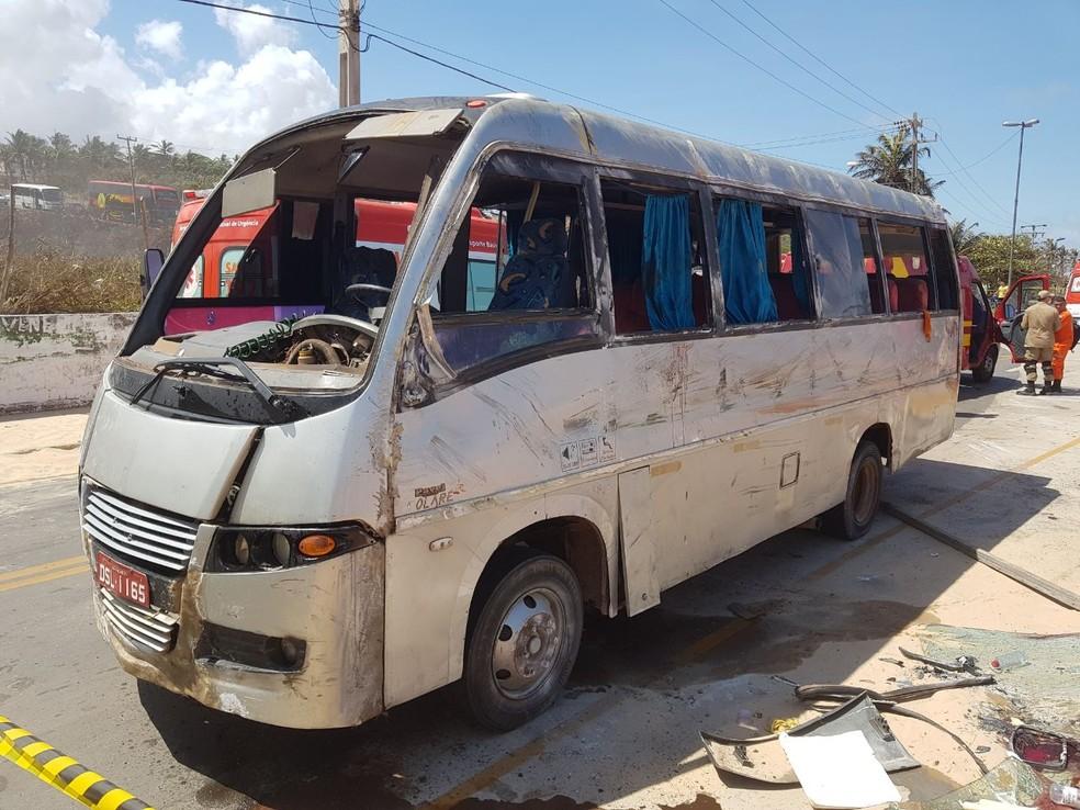 Segundo testemunhas, veículo teria atingido algumas pessoas que estavam na orla. (Foto: Nelson Melo / Divulgação)