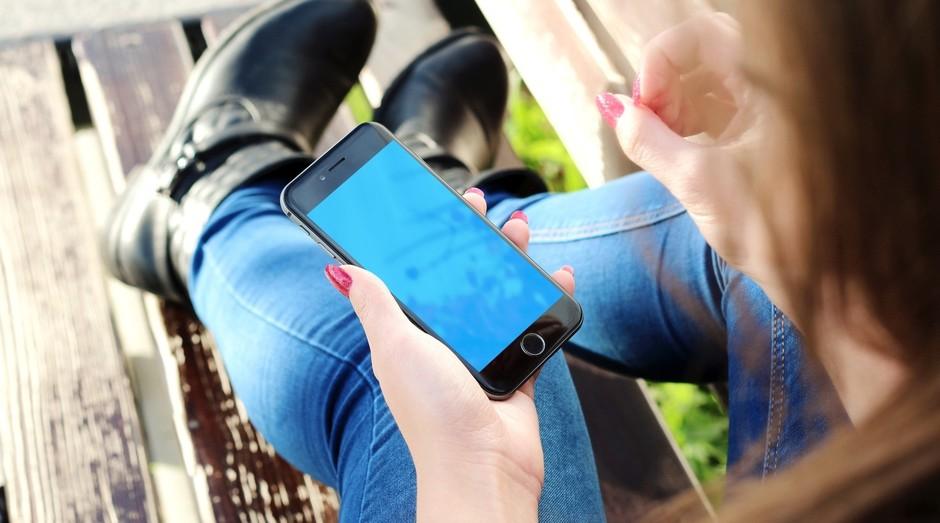 mão, celular, aplicativo, app (Foto: Reprodução/Pexels)
