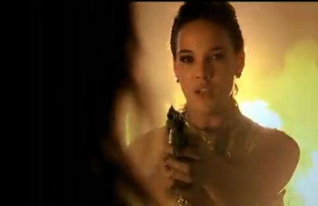 Patrícia (Adriana Birolli) terá a oportunidade de deter a mãe e chegará a apontar uma arma para ela, mas acabará deixando Tereza Cristina fugir Reprodução