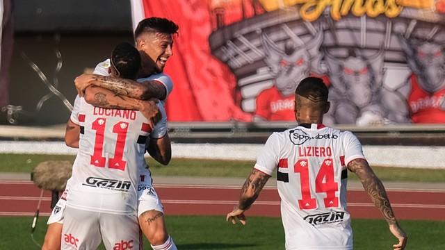 Gol do São Paulo x Atlético-GO