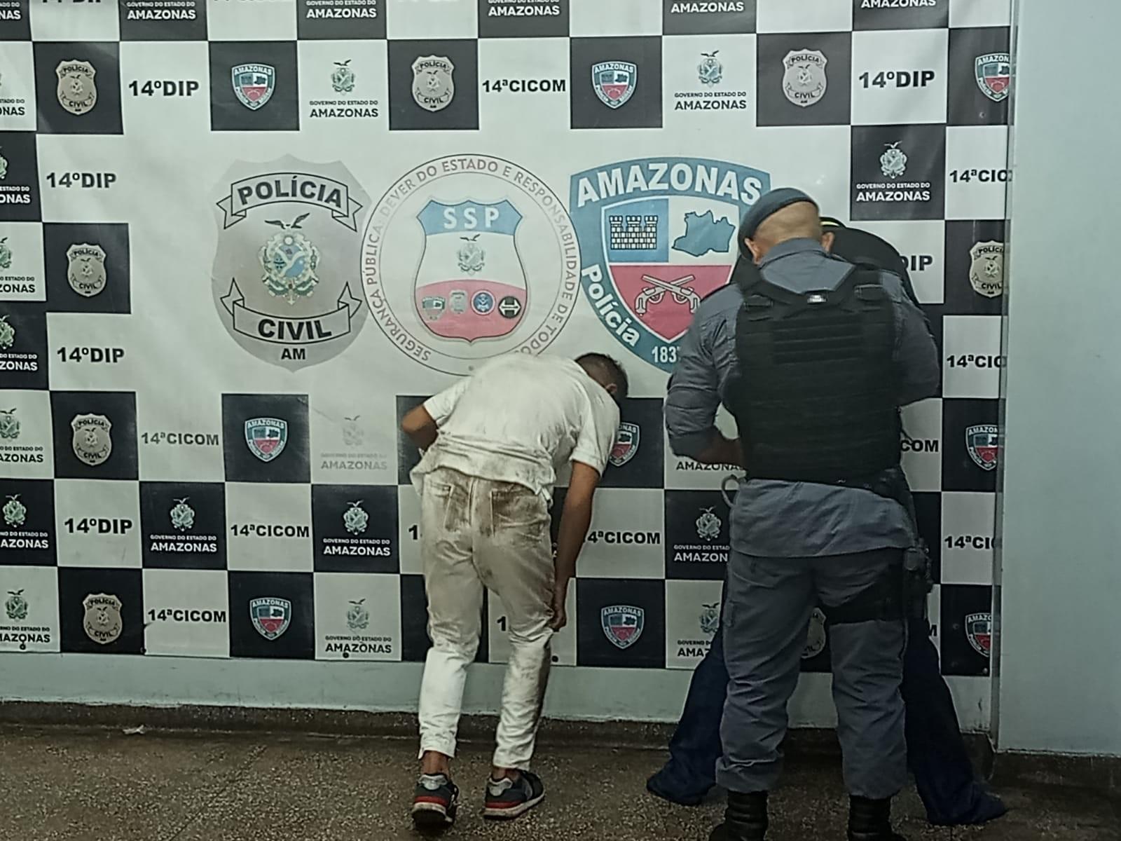 Dupla é presa após invadir e assaltar clínica odontológica em Manaus
