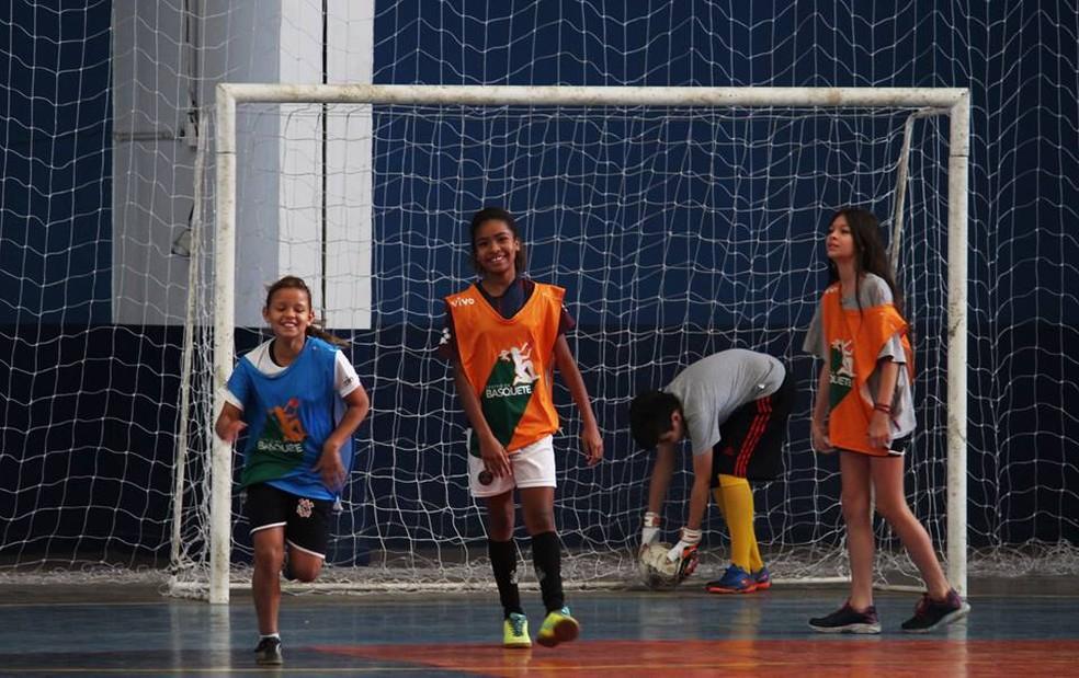 520ff45f2d2f9 ... Aulas de futsal de futsal em Marília acontecem no Ginásio de Esportes  dos Bancários — Foto