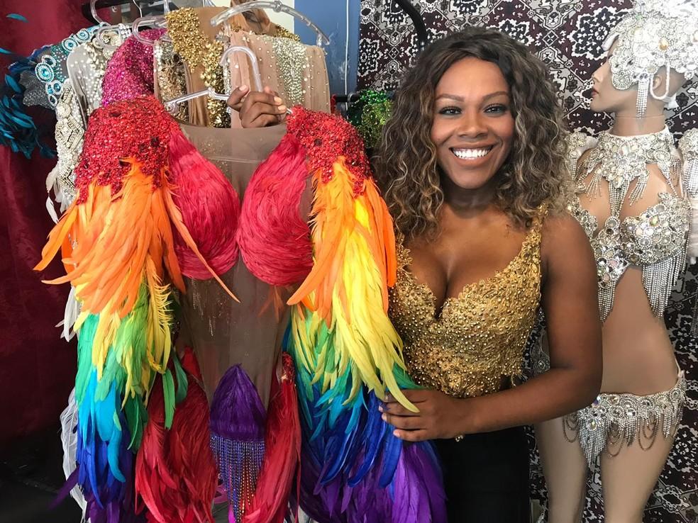 Foto Vanessa Rodrigues é musa e trabalha com produção de fantasias para o  Carnaval. — Foto 2a70e3cb87877