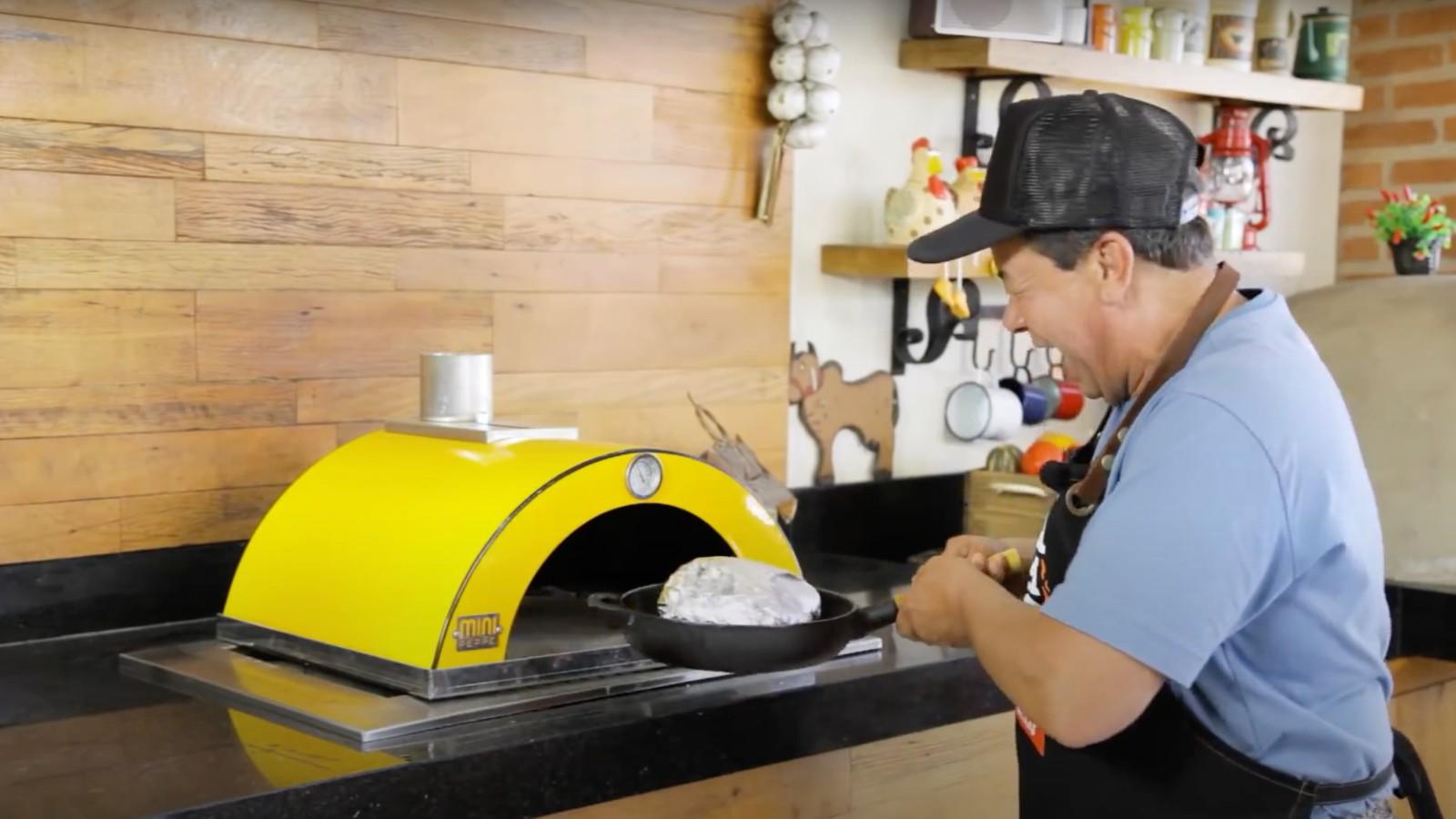 Forno portátil Grill Land Mini Peppe é sinônimo de praticidade e versatilidade