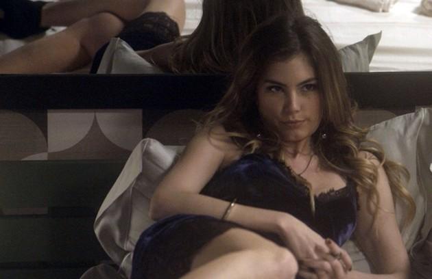 Depois, em 2016, ela interpretou a Camila de 'A lei do amor'. Na trama, ela fazia par com Gabriel Chadan. A atriz precisou deixar o elenco antes do fim da história para dar à luz seu primeiro filho, Júlio (Foto: TV Globo)