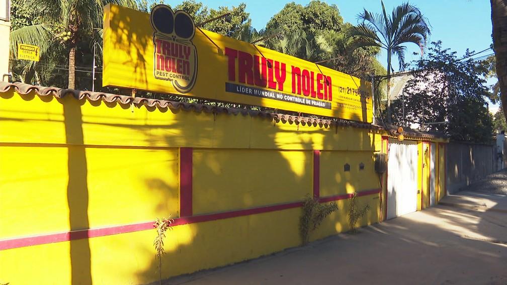 Sede da Truly Nolen, em Caxias — Foto: Reprodução/GloboNews