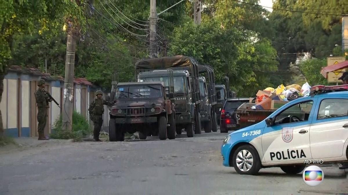 Polícia e Forças Armadas fazem operação na Ilha do Governador, RJ