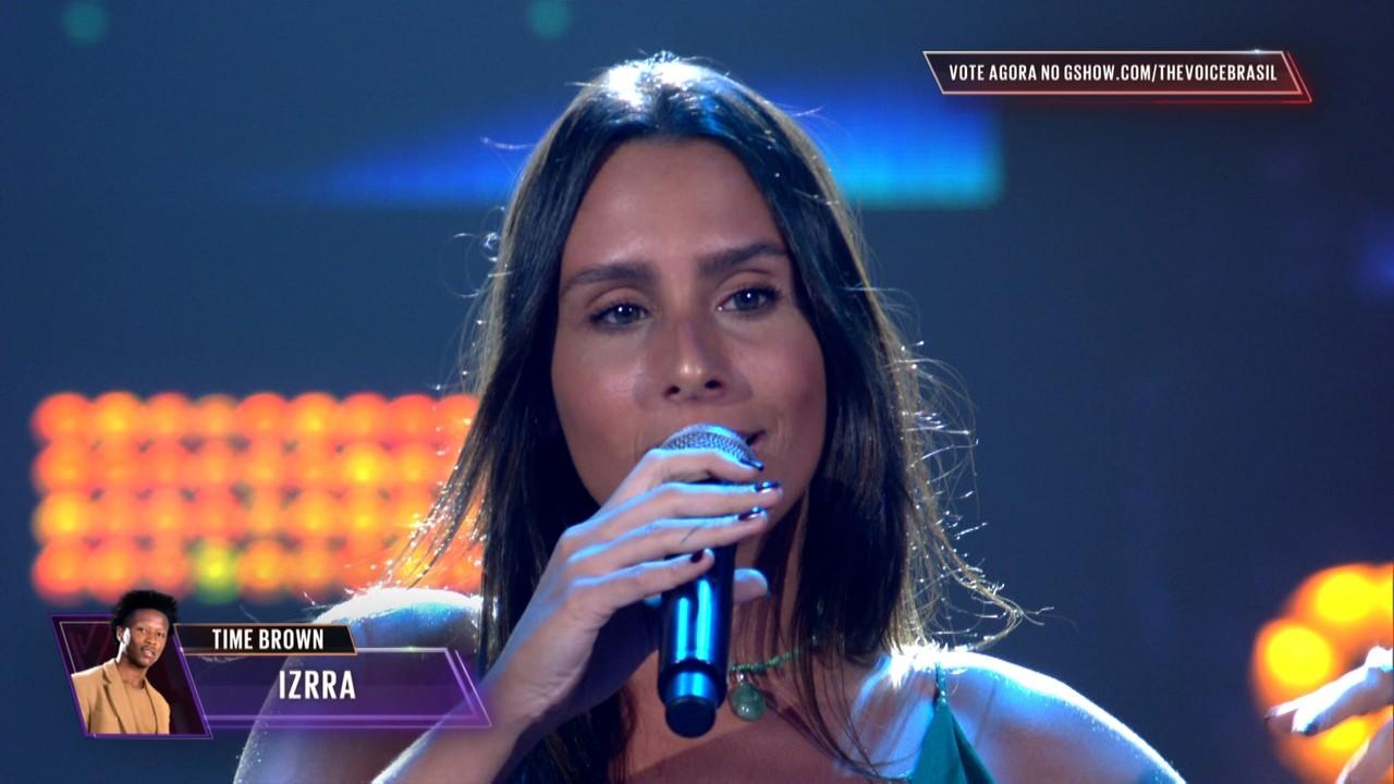 Amanda Coronha canta 'Lança Perfume' na Semifinal