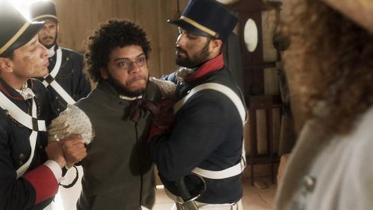 Libério se torna escravo de Sebastião e cena comove web