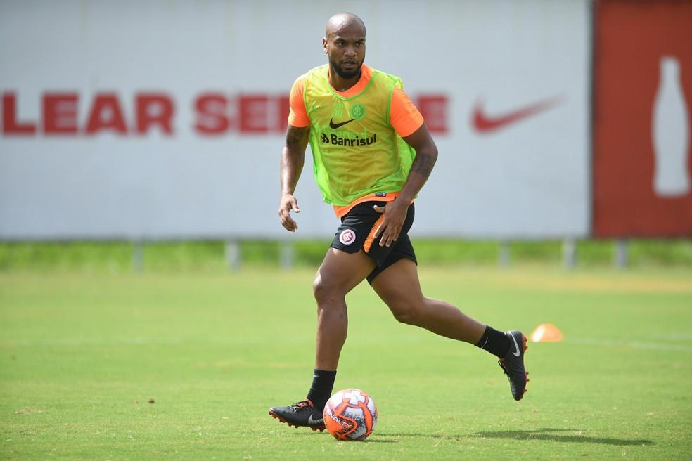 Rodrigo Moledo em treino do Inter — Foto: Ricardo Duarte/Divulgação Inter