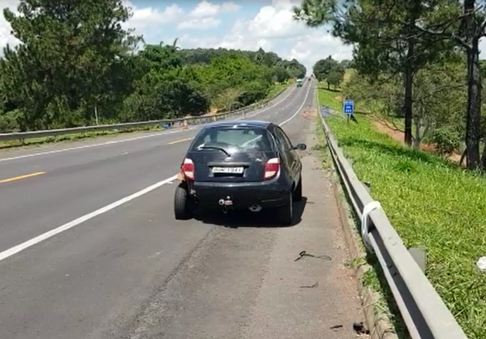 Segundo a polícia, motorista invadiu a pista contrária em Marília — Foto: Alcyr Netto/TV TEM