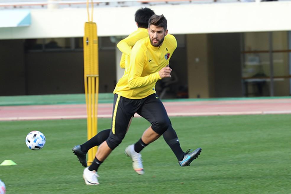 Everaldo, do Kashima, foi sondado pelo Grêmio — Foto: Reprodução/Kashima Antlers