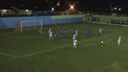 Ex-Vasco marca três, mas perde gol incrível em jogo do master; veja no vídeo