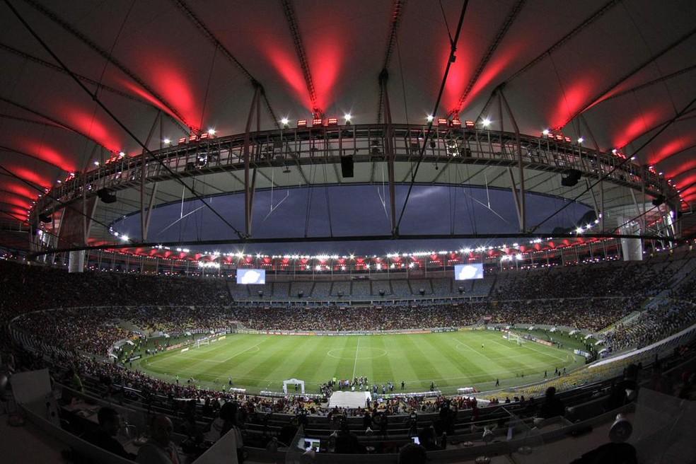 Maracanã recebe a iluminação vermelha em jogos do Flamengo (Foto: Divulgação / Flamengo)