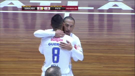 Lá vem o Pato! Equipe paranaense chega à final da Taça Brasil de Futsal