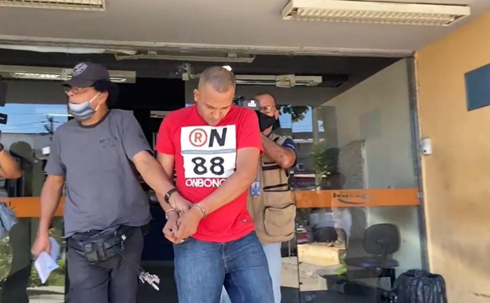 O guarda municipal Max Aurélio da Costa Biassotto Ferreira foi preso em flagrante  — Foto: Reprodução/TV Globo
