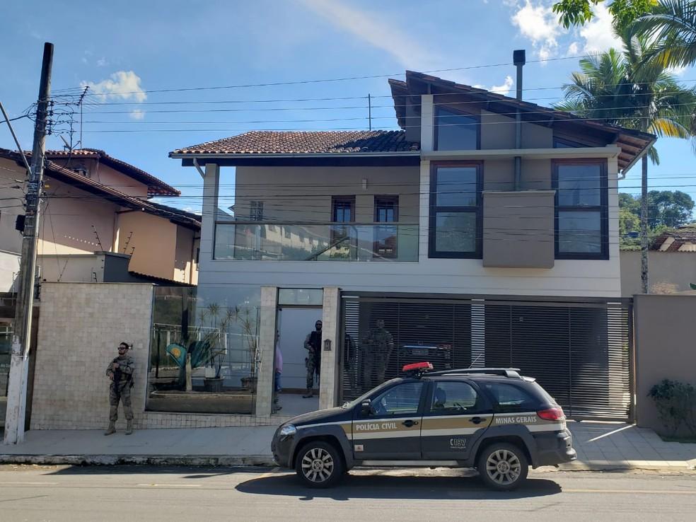 Polícia Civil realiza operação que combate extração ilegal de minério em Mariana — Foto: Polícia Civil de Minas Gerais/Divulgação