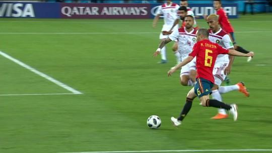 """Cidade natal de Diego Costa """"para"""" durante os jogos da Espanha na Copa do Mundo"""
