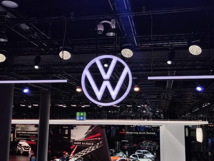 Novo logo da Volkswagen — Foto: André Paixão/G1