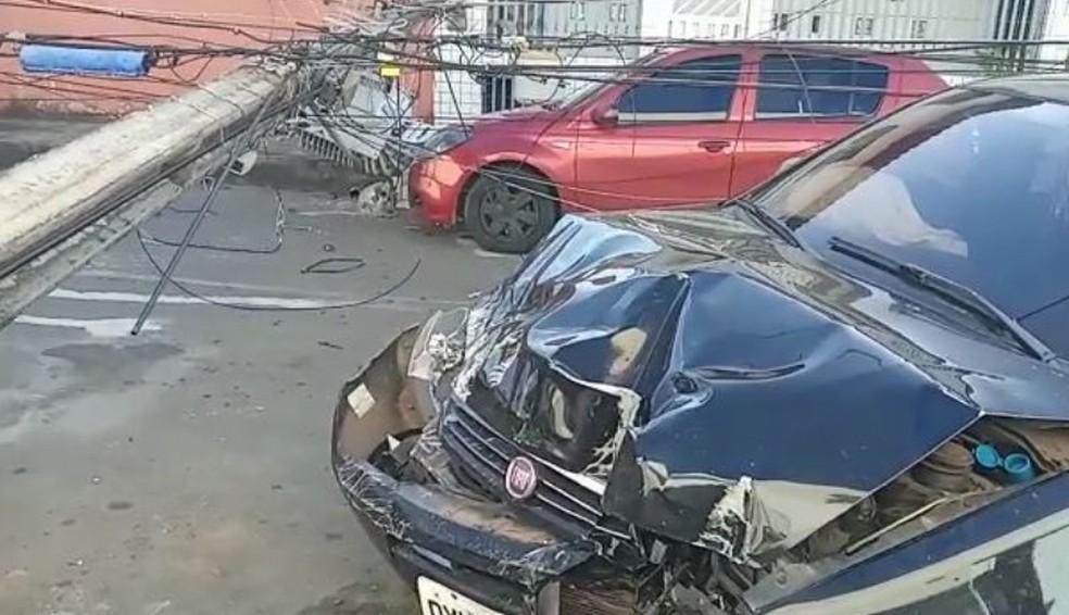 Acidente no Cohatrac IV causou a interrupção do fornecimento de energia no bairro — Foto: Redes Sociais