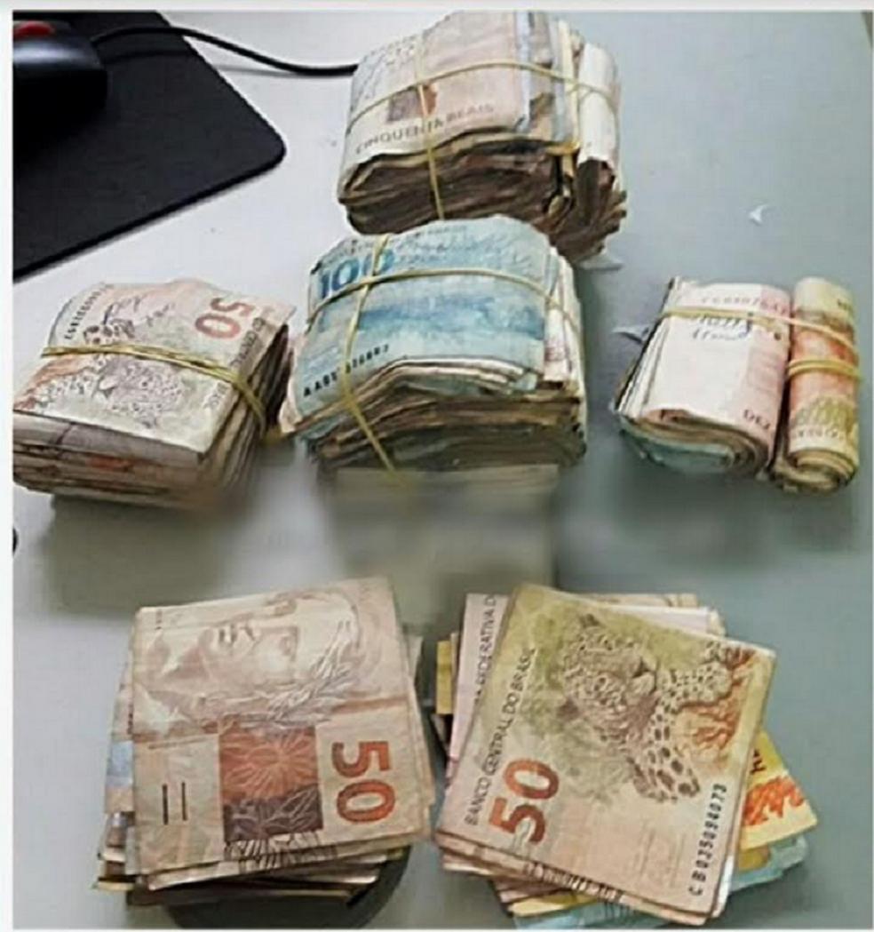 Além do dinheiro foram encontrados dois celulares com a mulher. (Foto: Reprodução/TV Verdes Mares)