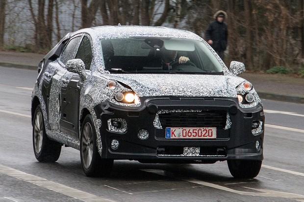Faróis do SUV do Fiesta ainda não são os definitivos (Foto: AutoMedia/Autoesporte)