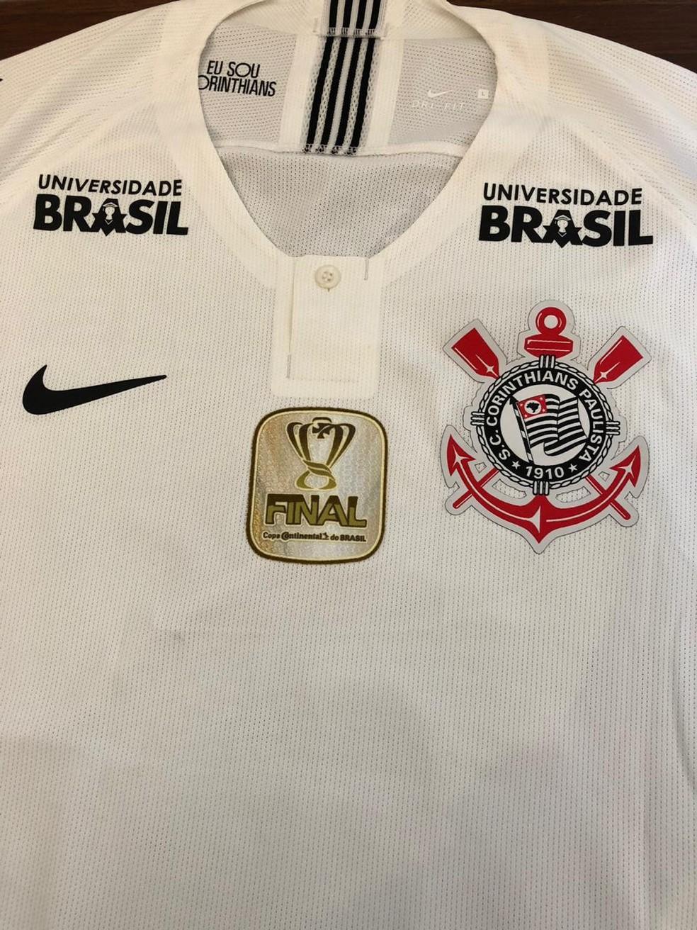 Detalhe da camisa do Corinthians na final da Copa do Brasil — Foto: GloboEsporte.com