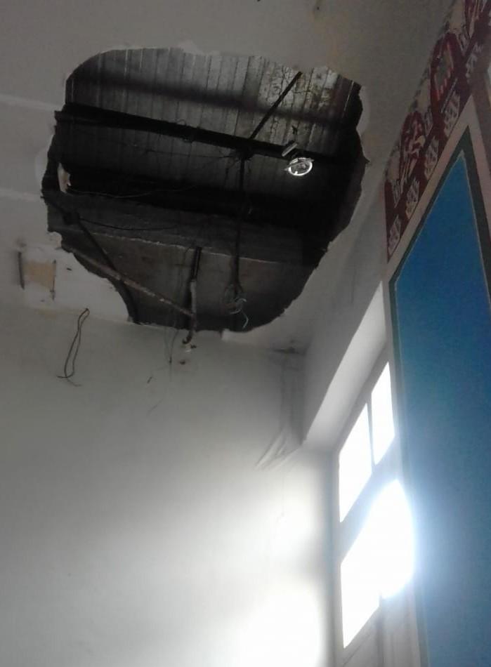 Parte de forro da recepção do prédio da Fumbel desaba, em Belém - Noticias