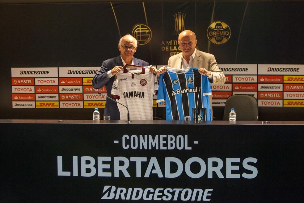 Romildo Bolzan Júnior e Nicolás Russo, os presidentes de Grêmio e Lanús (Foto: Lucas Uebel/Grêmio)