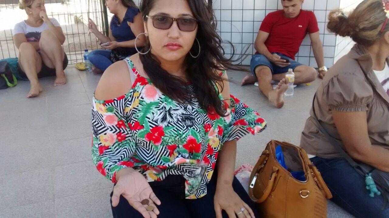 Candidata que diz ter sido eliminada no Enem por portar moedas entra com ação contra Inep