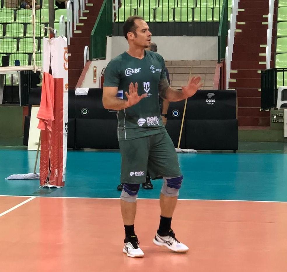 Fundador da equipe, Ricardinho voltou às quadras em 2020 para ajudar o Maringá — Foto: Thaís Pismel/Resenha Comunicação