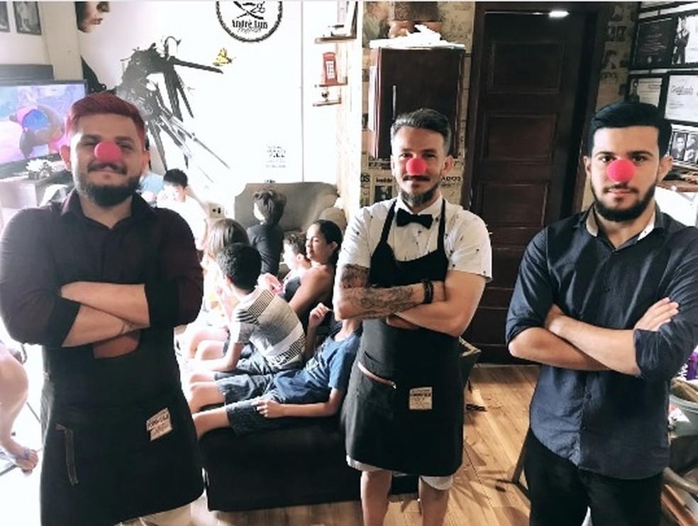 Esse é o quarto ano que barbearia oferece serviço gratuito no Dia das Crianças — Foto: Arquivo pessoal