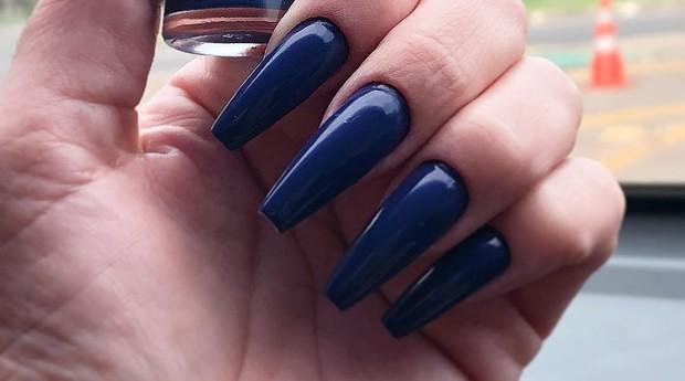 Grazielle Matos abandonou faculdade de enfermagem para virar manicure. E se deu bem (Foto: Reprodução)