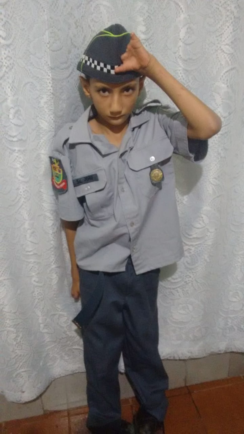 Polícia Militar realiza sonho de menino e o presenteia em festa de aniversário em Borborema  — Foto: Arquivo pessoal