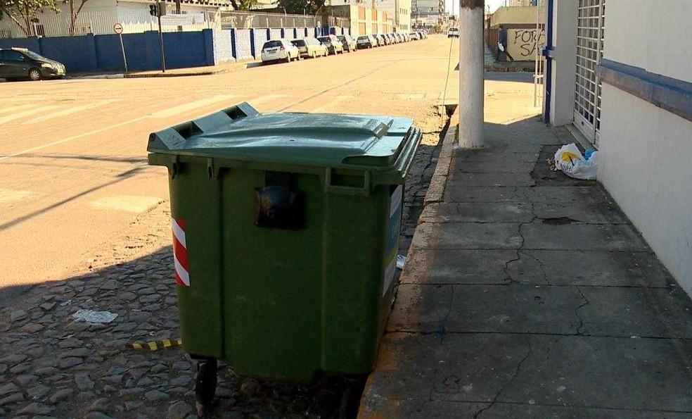 Contêiner onde foi encontrado o corpo da criança em Pelotas (Foto: Reprodução/RBS TV)