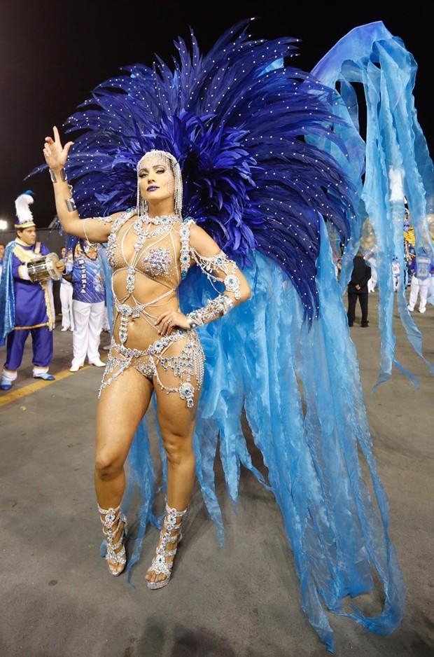 Lívia Andrade representou a soberania no Carnaval 2017 (Foto: Edu Saraiva/Editora Globo)