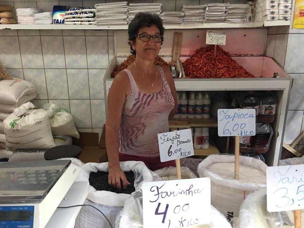 Edineide Rodrigues trabalha na feira há 25 anos (Foto: Itana Alencar/G1 Bahia)