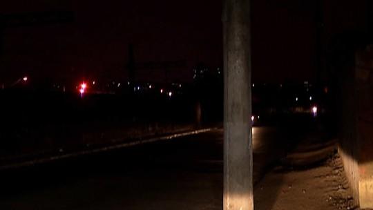 Falta de iluminação e segurança na rua Aracaré, em Itaquaquecetuba, deixa moradores preocupados